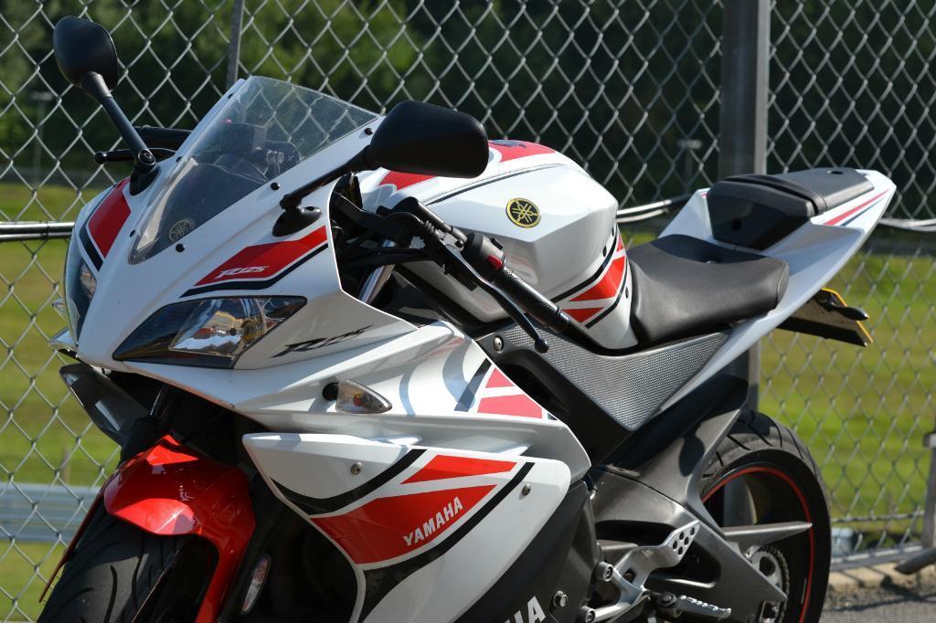 Yamaha Yzf R125 2012 Yamaha Yzf R125 50th