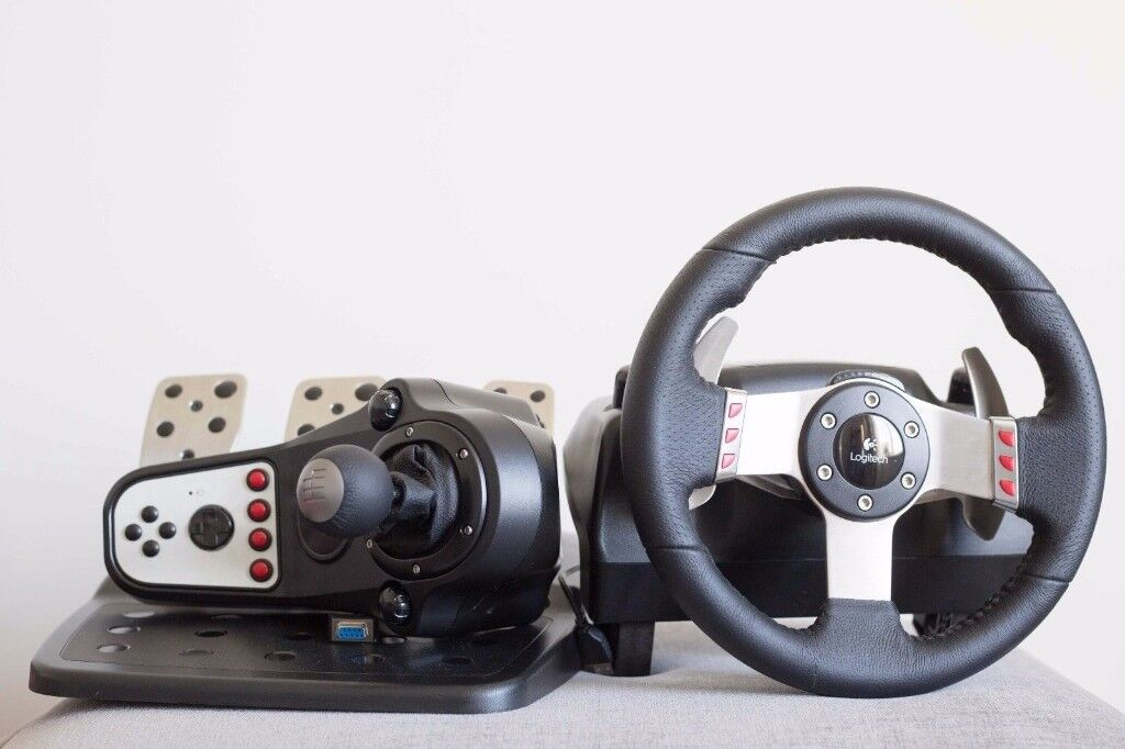 Logitech G27 - with pedals and shifter