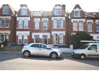 6 bedroom house in Durham Road, London, N2
