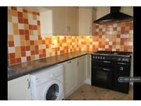 1 bedroom flat in Balsusney Road, Kirkcaldy, KY2 (1 bed)