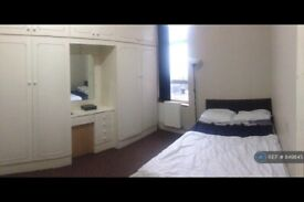 1 bedroom in Browning Road, London , E12 (#849845)