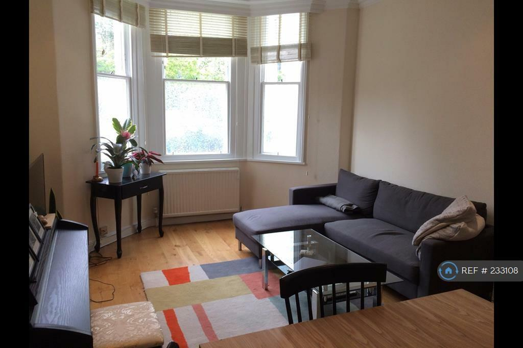 2 bedroom flat in London, London, NW3 (2 bed)