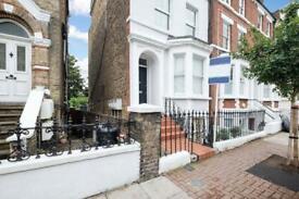 2 bedroom flat in 27 Disraeli Road Putney, London, SW15