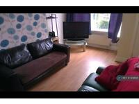 4 bedroom house in Talbot Mount, Leeds, LS4 (4 bed)