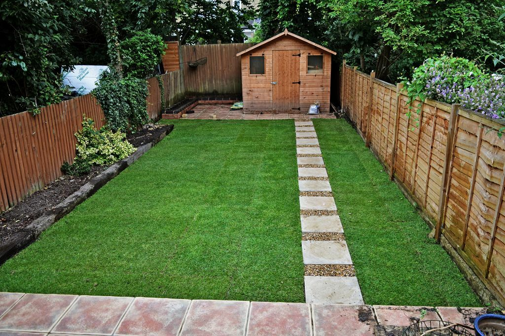 From garden tidy to landscape desing ideas fencing for Garden decking and grass
