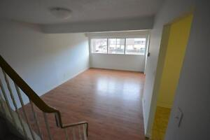 3 BEDROOM TOWN HOUSE - SOUTH OTTAWA - ALL INCLUSIVE - FEB 1