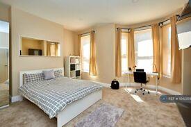 Studio flat in Warwick Row, Coventry, CV1 (#1042359)