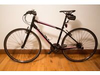 Specialized Hybrid Bike Vita 2014, Mint condition, 27 Speeds M frame,includes accessories