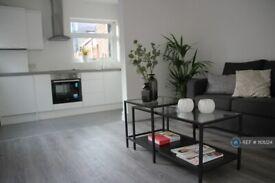 2 bedroom flat in Barking Road, London, E13 (2 bed) (#1101224)