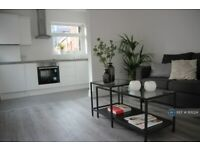 2 bedroom flat in Barking Road, London, E13 (2 bed) (#1101224)