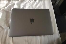 MacBook in Space Grey 500GB SSD