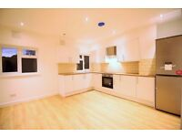 **FANTASTIC NEWLY REFURBISHED 3 BED APARTMENT IN PERFECT LOCATION**