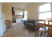 *** Stunning two bedroom 1st floor Victorian conversion for only £1400 pcm ***