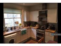 2 bedroom flat in Treport Street, London, SW18 (2 bed)