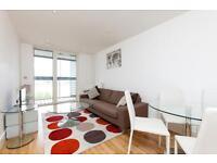 2 bedroom flat in Dowells Street New Capital Quay SE10