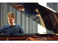 Fancy a Six Week Summer Challenge? Learn Piano!
