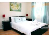 2 bedroom flat in Redshank Court, Thatcham, RG19 (2 bed)