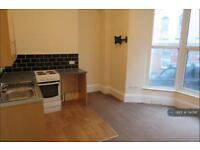 Studio flat in Oxford Grove, Ilfracombe, EX34