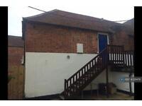 1 bedroom flat in Lymington High Street, Lymington, SO41 (1 bed)