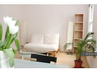 1 bedroom flat in Clarges Street, London, W1J (1 bed) (#1203721)