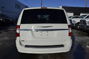 2013 Chrysler Town & Country Touring Edmonton Edmonton Area image 16