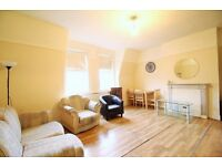 **3 bedroom flat in Crouch End 5 minutes to Hornsey Train Station!!Perfect for sharers!!**