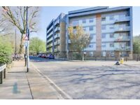 Stunning one bedroom 3rd floor flat opposite Victoria Park, balcony, bike storage, furnished, 24/05