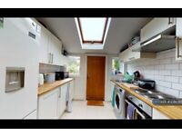 4 bedroom house in Coleman Road, London, SE5 (4 bed) (#1094365)