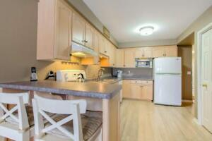 Stunning Executive Town Home Located in Fonthill