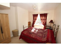 5 min to Bow Road***TRENDY EAST LONDON
