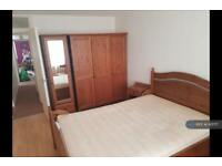 2 bedroom flat in Gibson House, Croydon, CR2 (2 bed)
