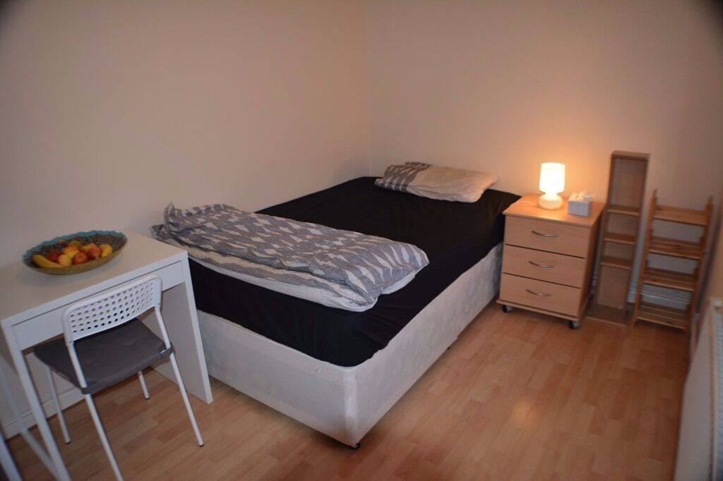 ACCOMODATION IN HOXTON - ALL BILLS INC - IMMEDIATE VIEWINGS
