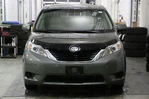 2013 Toyota Sienna LE 8 PASSENGER DUAL POWER SLIDING DOORS London Ontario image 2