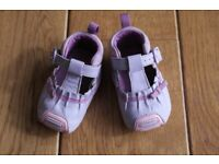 Clarks real leather baby girl first shoes size 2.5 G