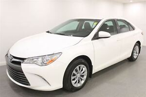2016 Toyota Camry Auto|Back-up Cam|38884 KMS|Heated Mirrors