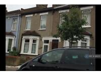 3 bedroom house in Abbey Grove, London, SE2 (3 bed)