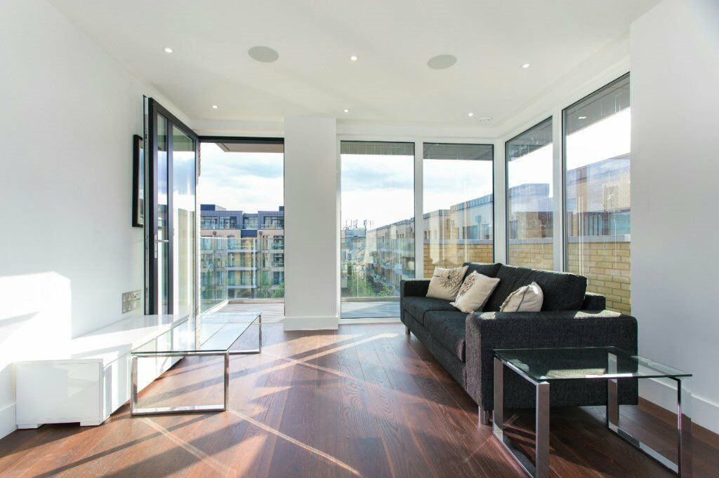 LUXURY 2 BED 2 BATH APARTMENT FLOOR TO CEILING WINDOWS, AVAILABLE NOW! FULHAM SW6 CONCIERGE