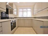3 bedroom house in Kirkstall Road, London, SW2 (3 bed)