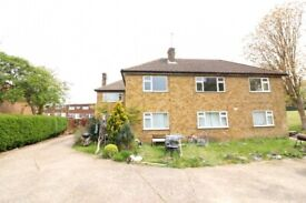 A THREE (3) BEDROOM HOUSE FOR £1410pcm IN BARNET/FINCHLEY NW7 1BP..AVAILABLE NOW !