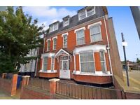 A beautiful TWO BEDROOM FIRST FLOOR flat located walking distance of North Finchley High Road.