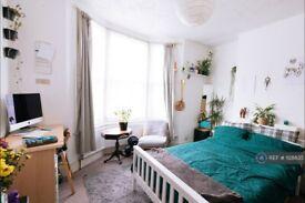 4 bedroom house in Ada Road, London, SE5 (4 bed) (#1128835)