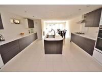 4 bedroom house in Crescent Road, New Barnet, EN4