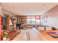 Modern flat in the heart of Notting Hill - Double bedrooms and separate living room - Available now