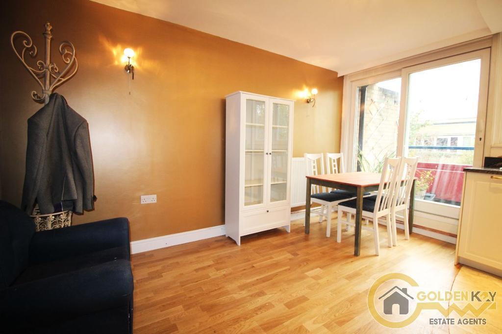 2 bedroom flat in Grange Place, Kilburn, NW6