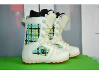 Ladies DC Snowboard boots UK 4 excellent condition UK size 4