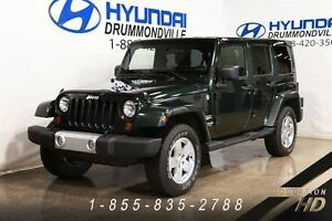 2011 Jeep WRANGLER UNLIMITED SAHARA + 4X4 + A/C + 2 TOIT + MAGS