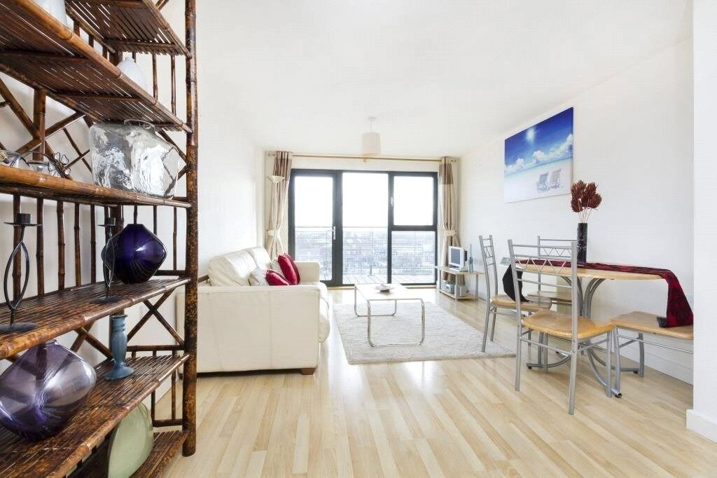 Stunning and modern double bedroom flat to rent in Stratford. Close to Maryland Station & amenities