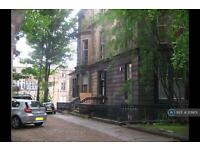 1 bedroom flat in Lorraine Gardens, Glasgow, G12 (1 bed)