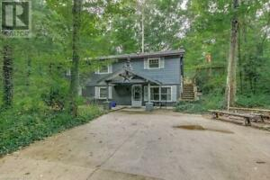 10367 LAKEVIEW AVENUE Grand Bend, Ontario