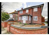 4 bedroom house in Boldmere Road, Pinner (West London), HA5 (4 bed)